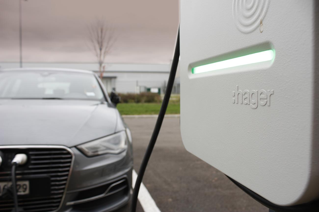 AC2R est qualifié pour l'installation de borne de recharge électrique