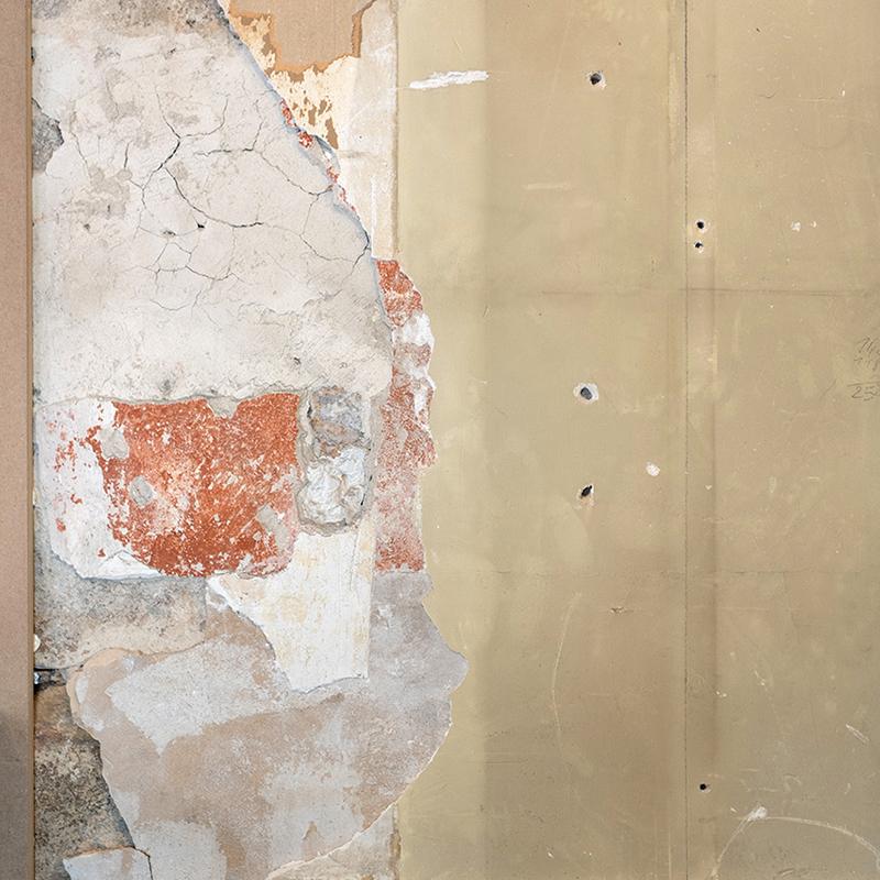 Les murs bruts ont gardé tout leur charme malgré la rénovation